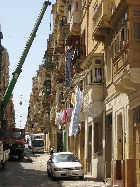 מחיר מנוף להעברת דירה